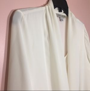 Larry Levine Twisted White Blouse